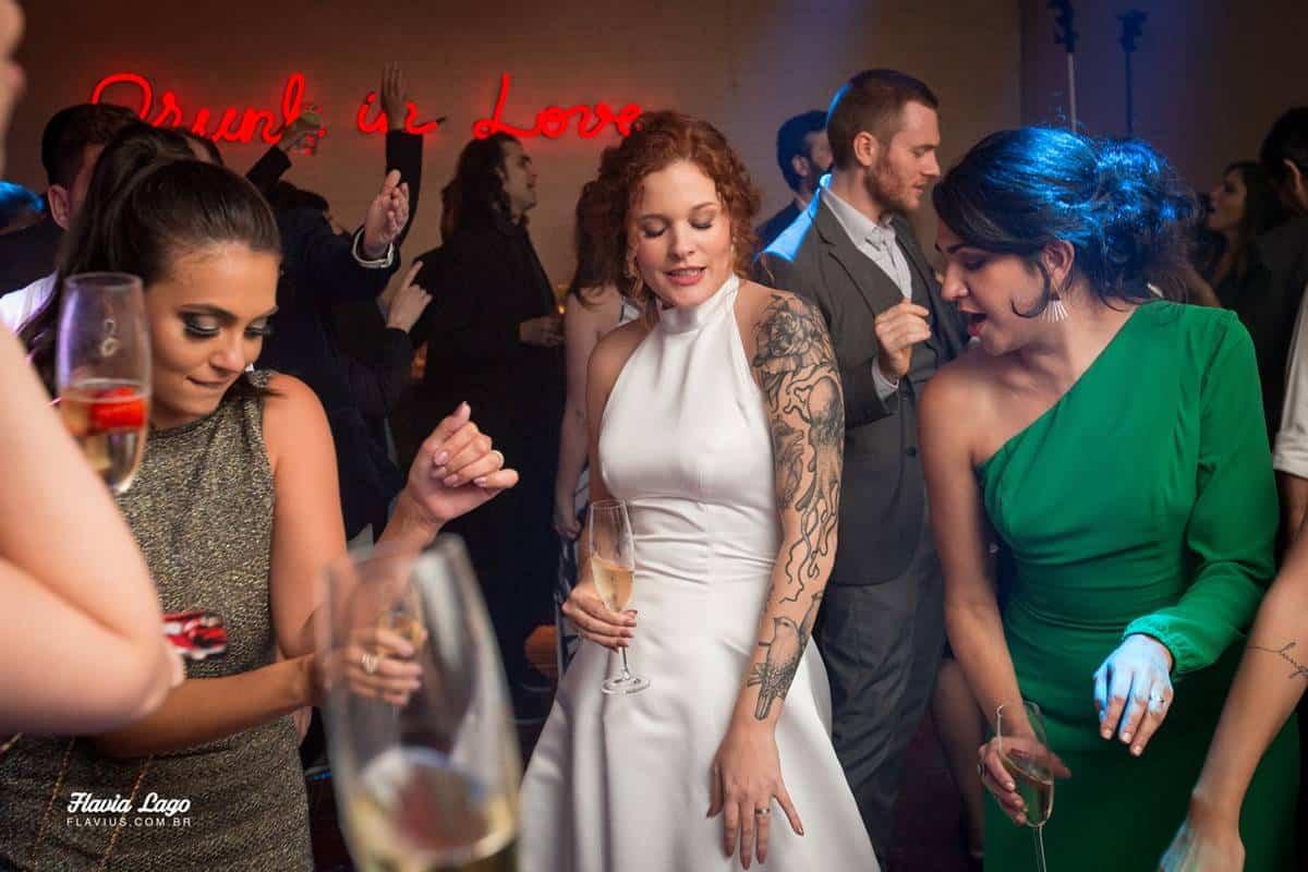 Momento da Festa de Casamento Industrial