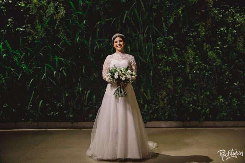 A noiva Karine em sua festa de casamento na Spazio Itanhangá